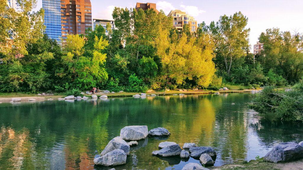 Romantic Prince's Island Park - steps away from the Peace Bridge