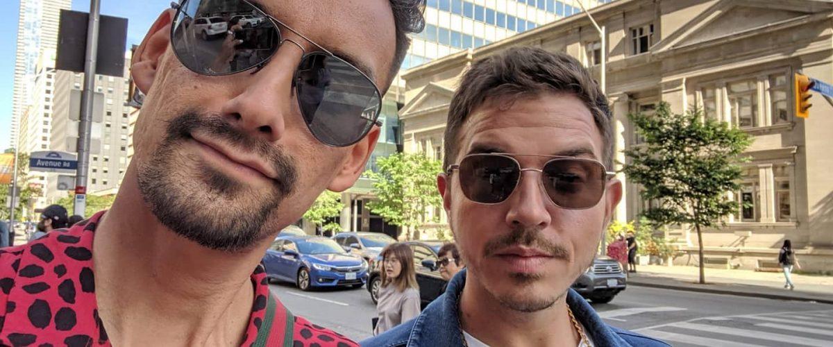 couple selfie do the daniel